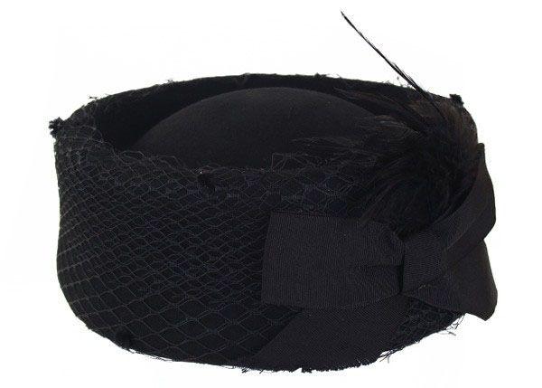 Dameshoed zwart hoog model met gaas en strik